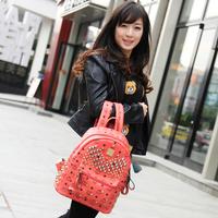包包2016春季新款时尚女包铆钉双肩包韩版学生书包电脑包女士背包