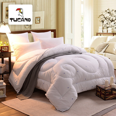 Woodpecker tucano textile breathable skin-friendly five-star hotel is the core quilt thick warm winter is breathable been