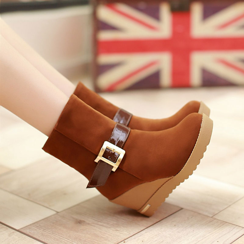 潮流冬季上新新款韩版学院风鞋子靴子欧美磨砂中筒坡跟高跟马丁靴