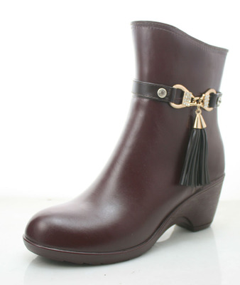 The new high-heeled rain boots back of Ms. velvet boots warm boots overshoes water shoes lightweight wearable promotional