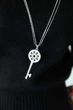 ShanZuan zomio South Korea han edition fashion exaggerated joker key pendant necklace long sweater chain accessories accessories