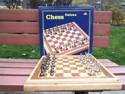 Deluxe high-grade metal wooden chess pieces wooden board metal plate room furnishings gifts to share