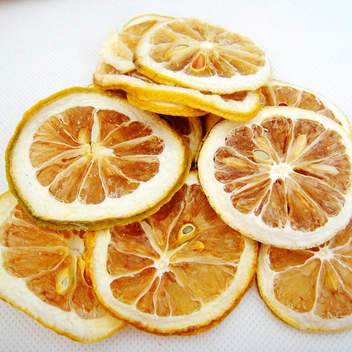 干柠檬片泡水_特级新鲜干柠檬片泡茶泡水水果茶花草茶即食美