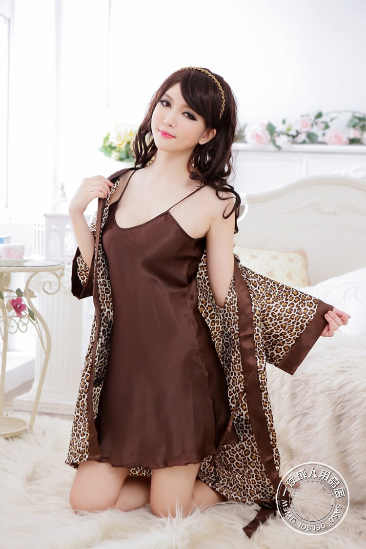 Yö Palo Leopard Silk Like Fabric Tube Top & Night Robe Set 2kpl Naiset Sexy Uniform
