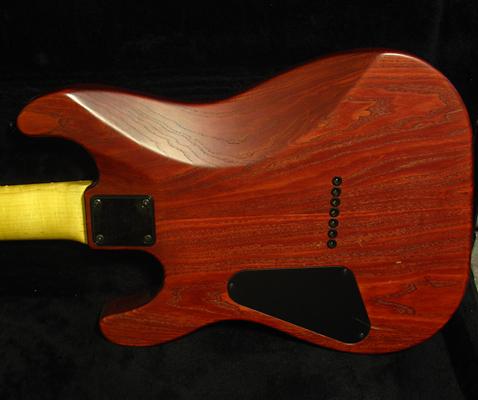 Электрогитара Семь струнный инструмент Schecter пользовательских 7 струнная электрическая гитара, Калифорния, 1998 Золотой век