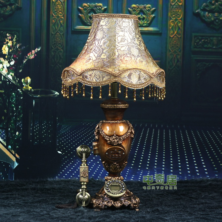 Tuen odd ranks antique telephone table lamp with audio features retro D906