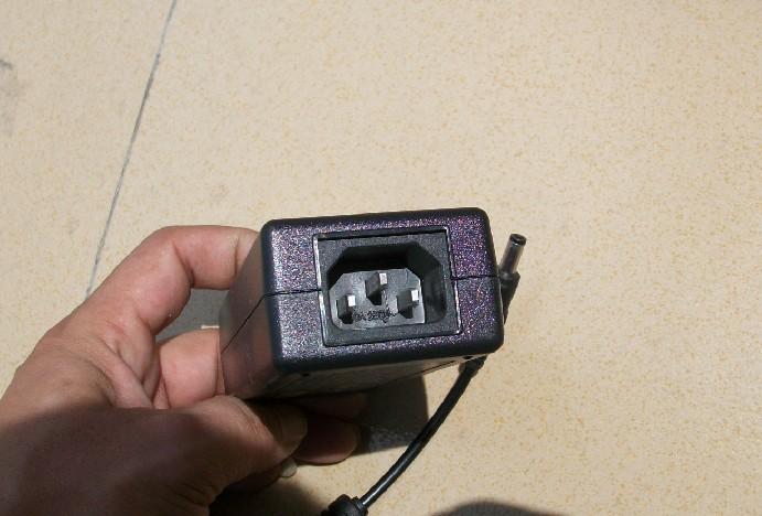 зарядное устройство 12V5A